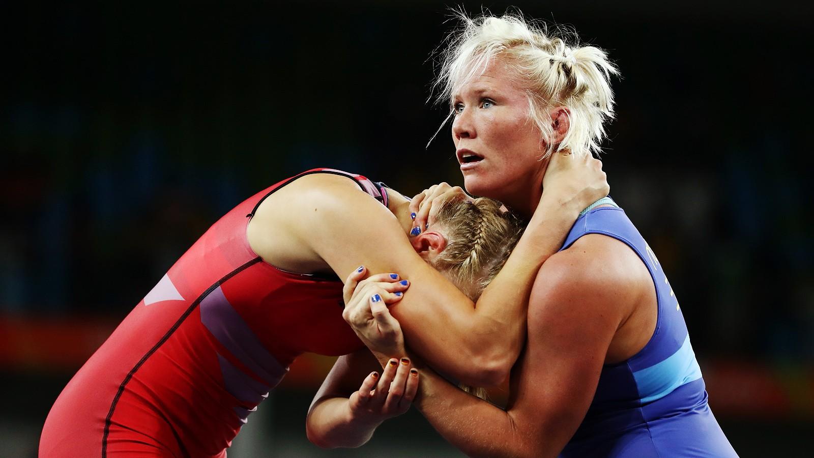 За использование допинга наказывают спортсмена, тренера и врача