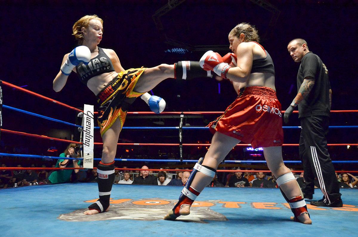 Женские соревнования по тайскому боксу