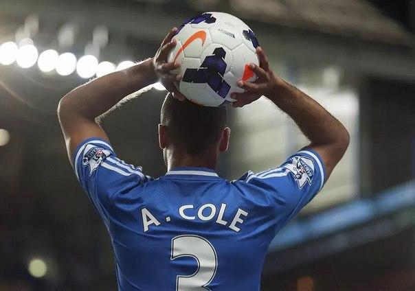 Что означает «аут» в футболе