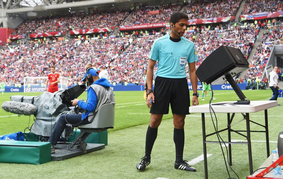 Минусы системы VAR в футболе