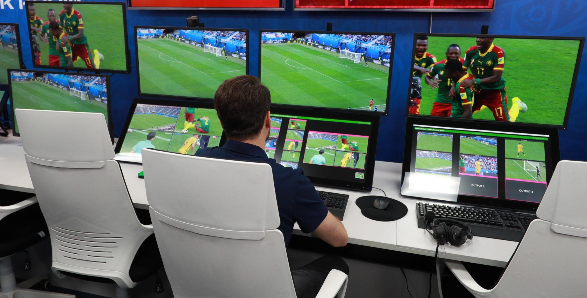 Система видеоповторов VAR в футболе