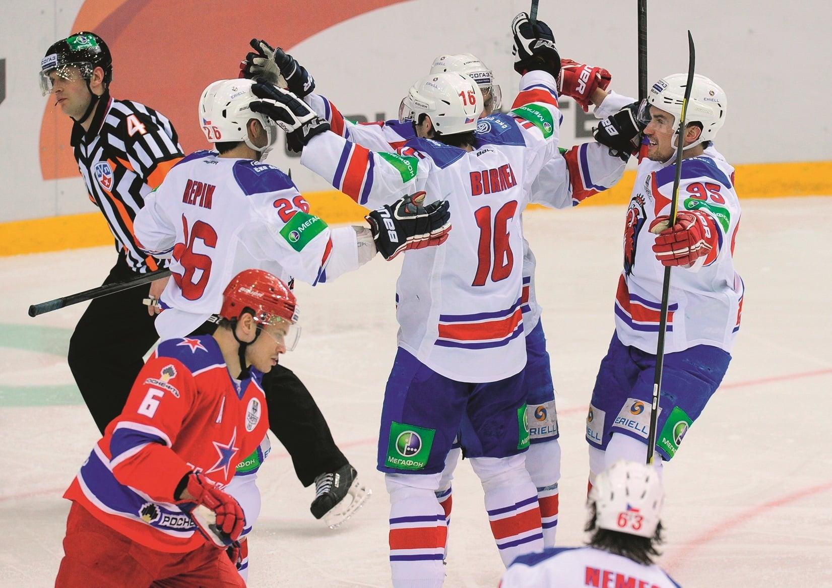 Какие чемпионаты по хоккею легче поддаются анализу, по мнению профессионалов